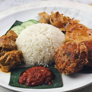 Nasi lemak with chilli and fried chicken