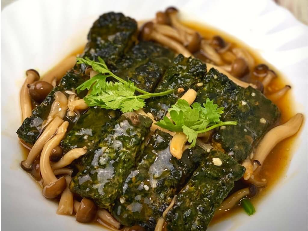 Spinach Tofu with Mushroom Sauce